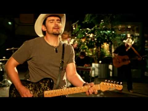 伝統的カントリーとサザン・ロックの融合した『Brad Paisley 人気曲ランキング』