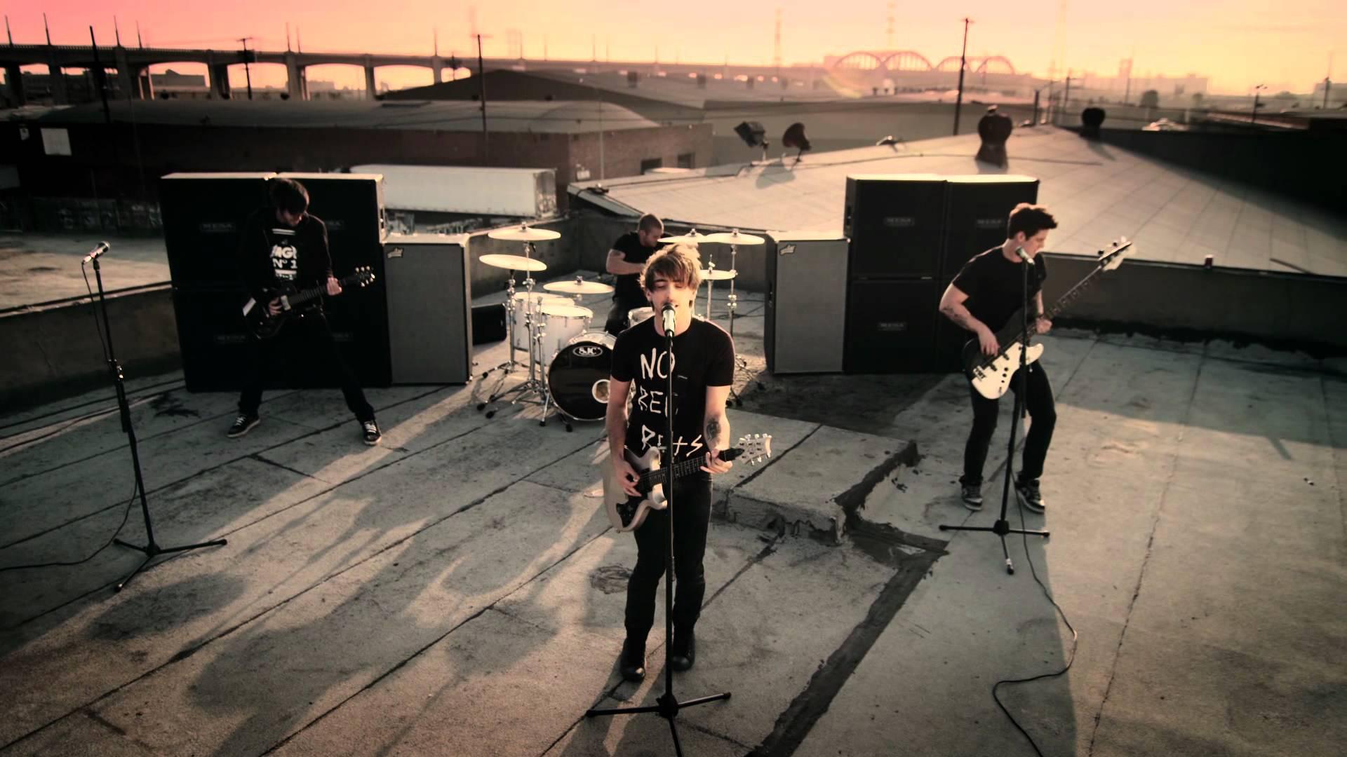 疾走感溢れるポップ・パンクバンド『All Time Low 人気曲ランキング』